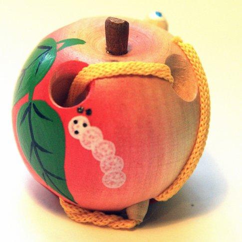 Яблоко - шнуровка малое  лакированое расписное